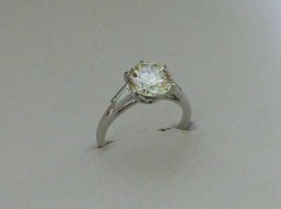 Bague or blanc diamant taille brillant 1ct06  E VVS1 certifié. Création.