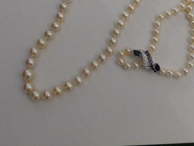 Collier et diamant taille princesse serti en clos . Création. Diamant 1ct02 K VS2 certifié. Prix demandé: 4 250 euros.